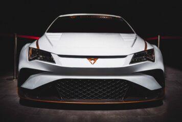 Adelante, amigos! New eco-friendly electric car